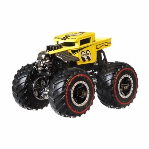 Mattel Hot Wheels® Pro Race Wheeled Vehicle Perspective: bottom