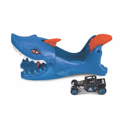 Mattel Hot Wheels Shark Launcher and Car Perspective: bottom