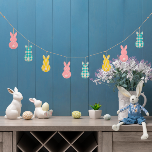 Glitzhome Easter Metal Bunny Garland Perspective: bottom