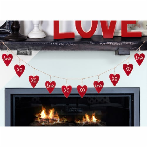 Glitzhome Valentine's Day Wooden and Metal Heart Garland Perspective: bottom