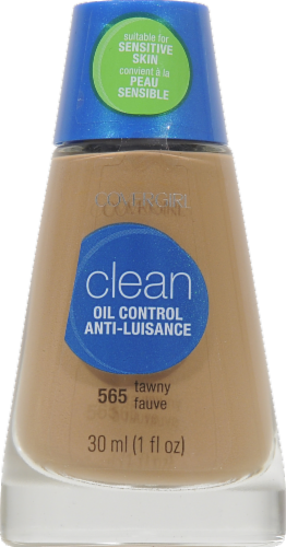 CoverGirl Clean Oil Control Tawny Foundation Perspective: front