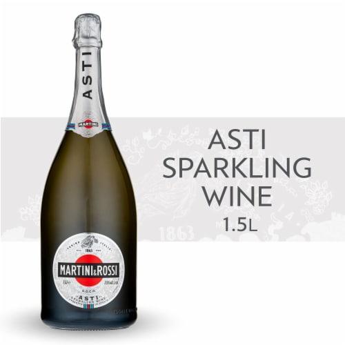 Martini & Rossi White Asti Sparkling Wine Perspective: front