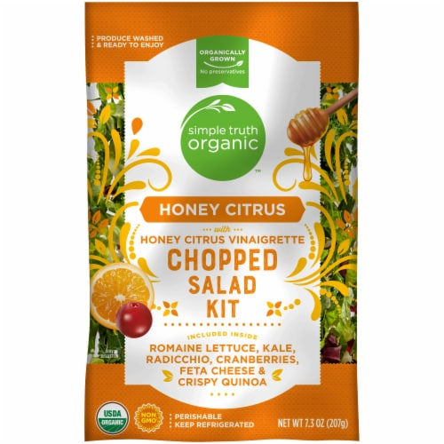 Simple Truth Organic™ Honey Citrus with Honey Citrus Vinaigrette Chopped Salad Kit Perspective: front
