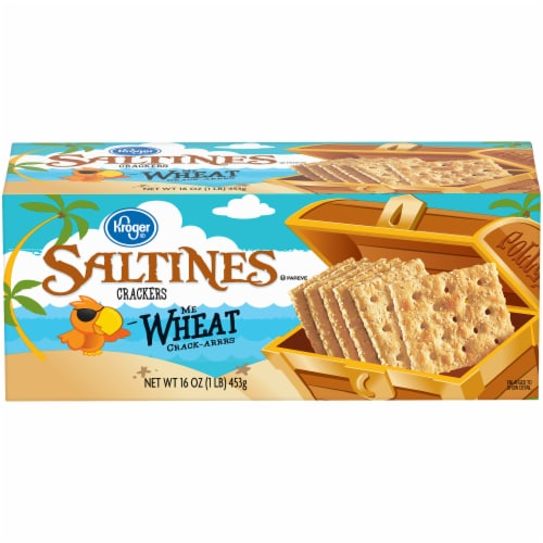 Kroger® Wheat Saltines Crackers Perspective: front