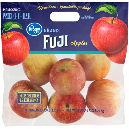 Kroger® Fuji Apples Bag Perspective: front