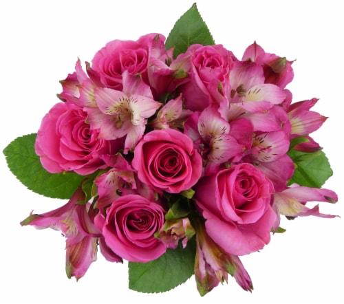 BLOOM HAUS™ Splendid Pink Rose Bouquet Perspective: front