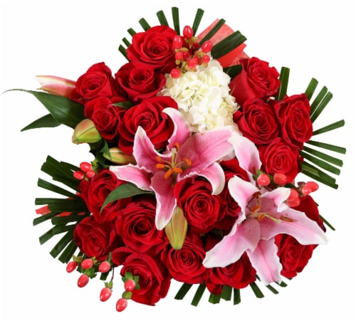 Bloom Haus™ 18 Plus Bouquet - Red Perspective: front