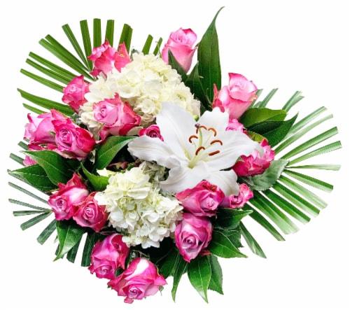 Bloom Haus™ 18 Plus Bouquet - Lavender Perspective: front