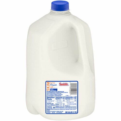 Smith's Fat Free Skim Royale Milk Perspective: front