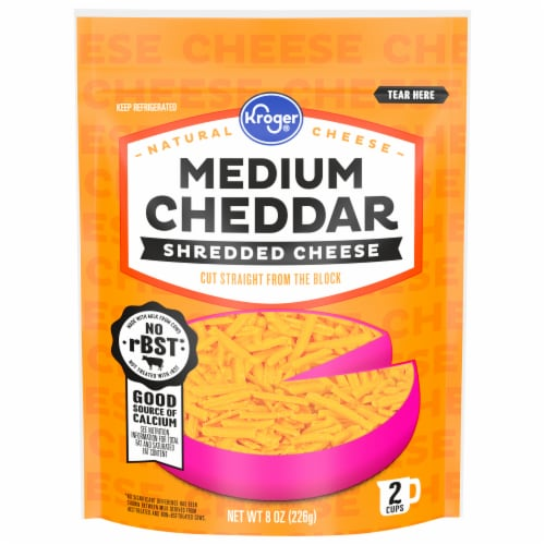 Kroger® Medium Cheddar Shredded Cheese Perspective: front