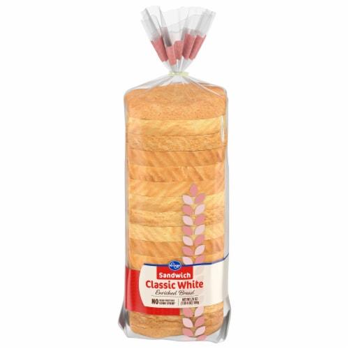 Kroger® Enriched White Sandwich Bread Perspective: front