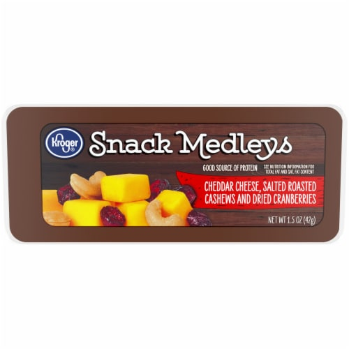 Kroger® Cheddar Cheese Cranberry & Cashew Snack Medleys Perspective: front