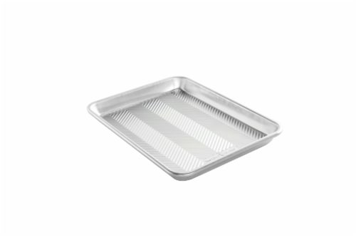 Nordic Ware Prism Bottom Quarter Sheet - Silver Perspective: front