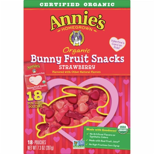 Annie's Organic Strawberry Bunny Fruit Snacks Perspective: front