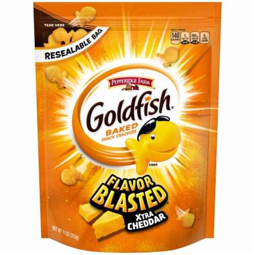 Goldfish Flavor Blasted Xtra Cheddar Baked Snack Crackers Perspective: front