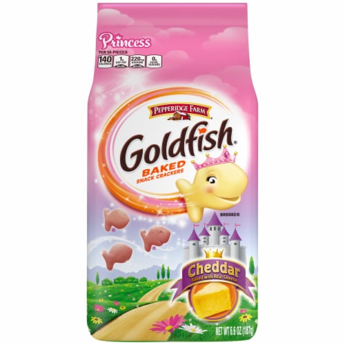 Goldfish Princess Cheddar Baked Snack Crackers Perspective: front