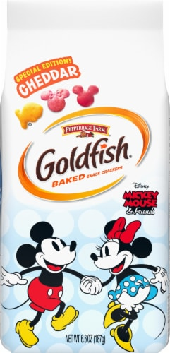 Goldfish Mickey Mouse & Friends Cheddar Baked Snack Crackers Perspective: front