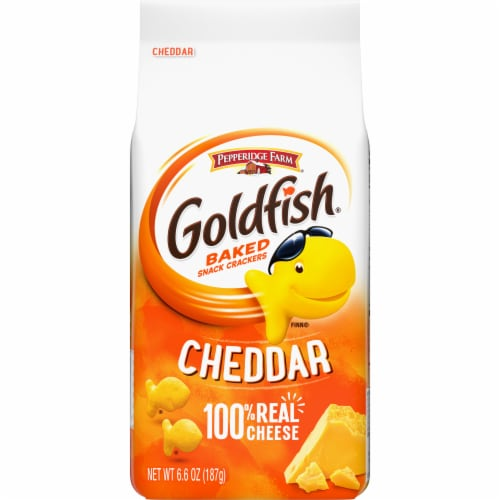 Goldfish Cheddar Baked Snack Crackers Perspective: front