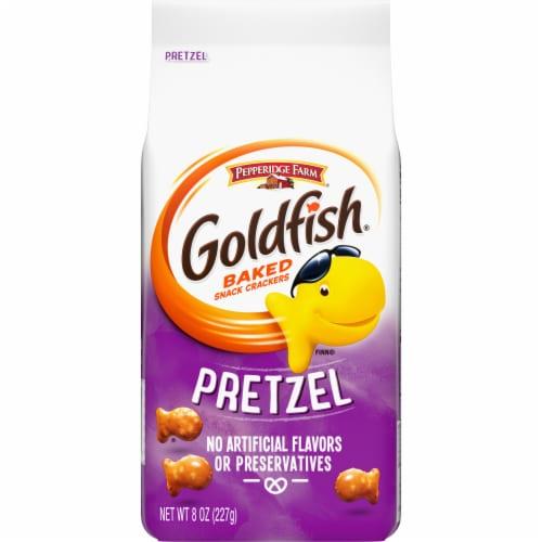 Goldfish Pretzel Baked Snack Crackers Perspective: front