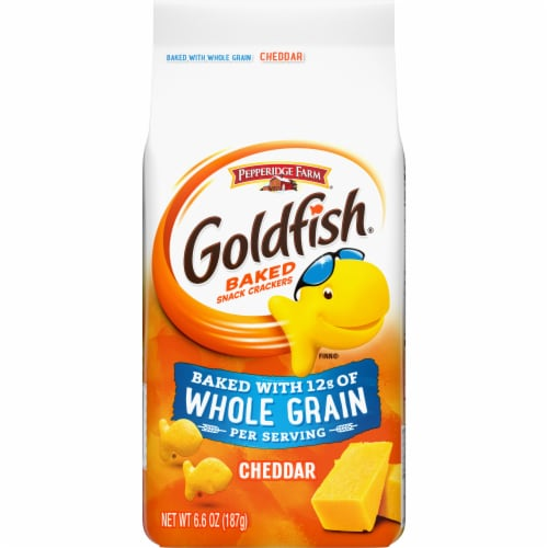 Goldfish Whole Grain Cheddar Baked Snack Crackers Perspective: front