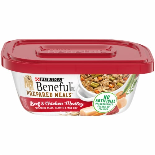 Beneful Prepared Meals Beef & Chicken Medley Wet Dog Food Perspective: front