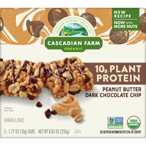 Cascadian Farm Organic Chewy Peanut Butter Chocolate Chip Protein Bars Perspective: front