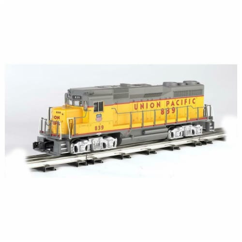 Bachmann BAC22907 Union Pacific No.839 GP30 Model Train with Dynamic Brake Perspective: front