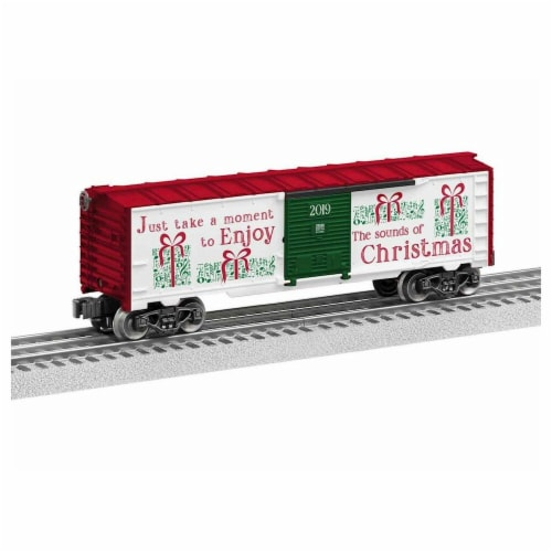 Lionel LNL1928500 O-27 Christmas Music Boxcar Model Train Perspective: front