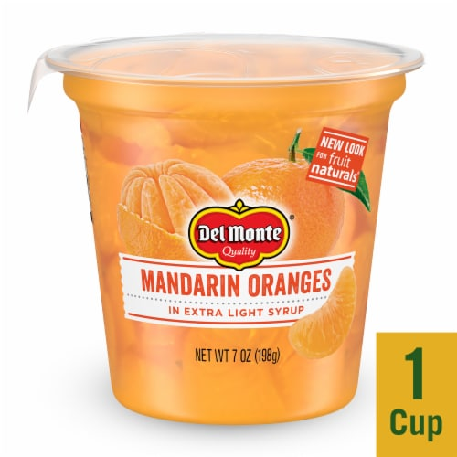 Del Monte Fruit Naturals Mandarin Oranges in Extra Light Syrup Cup Perspective: front