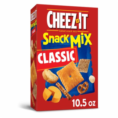 Cheez-It Baked Cheese Crackers Snack Mix Classic Perspective: front
