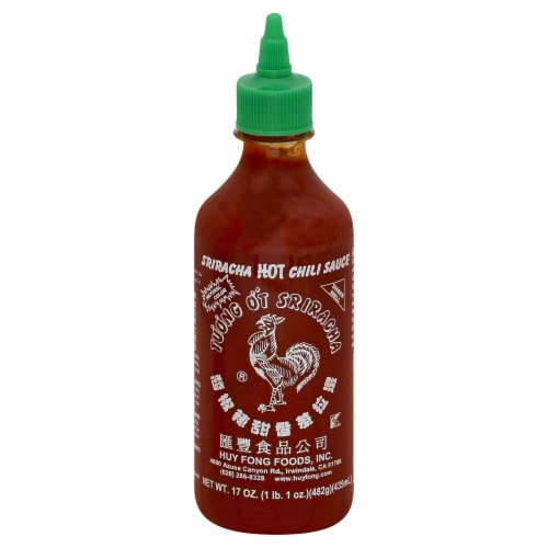 Huy Fong Sriracha Hot Chili Sauce Perspective: front