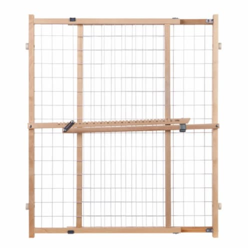 North States Supergate Extra-Wide Wire Mesh Gate - Natural Perspective: front