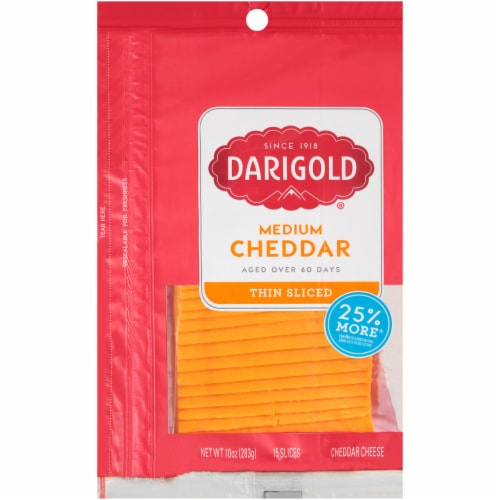 Darigold Natural Medium Yellow Cheddar Cheese Slices Perspective: front