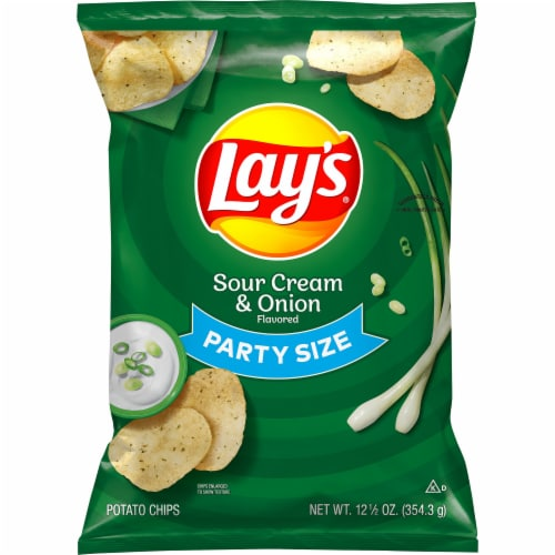 Lay's® Sour Cream & Onion Flavored Potato Chips Perspective: front