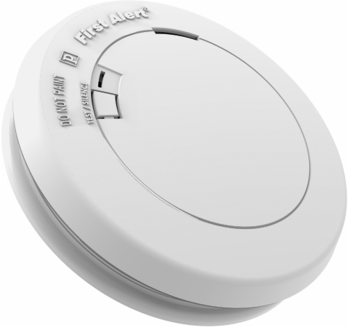 First Alert 2-In-1 Combo Detector - White Perspective: front
