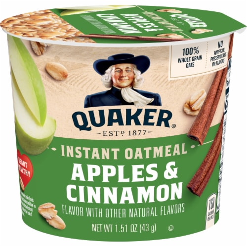 Quaker Apples and Cinnamon Sugar Instant Oatmeal Cereal Cup Perspective: front