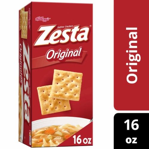 Zesta Saltine Crackers Original Perspective: front