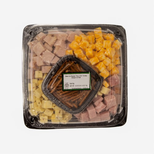 Taylor Farms Cubed Meat Cheese Tray Perspective: front