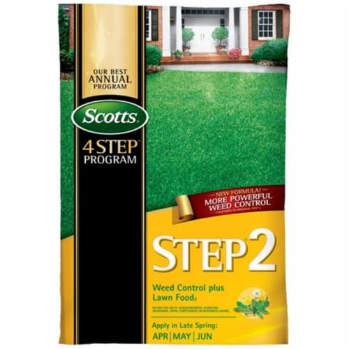 Scott 34161 15000 sq. ft. Step 2 Weed & Feed Spring Cool Season Grass Types Perspective: front
