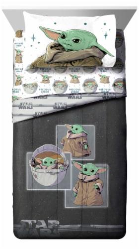 Jay Franco The Mandalorian Curious Child Comforter Set Perspective: front