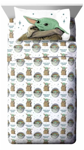 Jay Franco The Mandalorian Curious Child Sheet Set Perspective: front