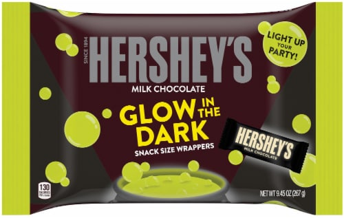 Hershey's Milk Chocolate Snack Size Halloween Candy Bars with Glow in the Dark Wrappers Perspective: front