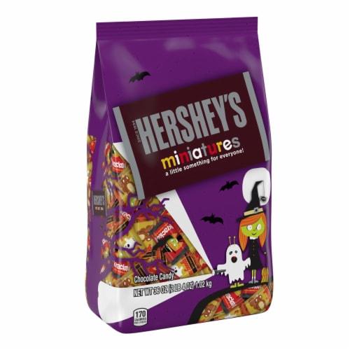 Hershey's Miniatures Halloween Candy Assortment Perspective: front