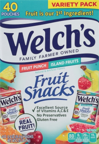 Welch's Fruit Punch/Island Fruits Combo Pack Fruit Snacks Perspective: front