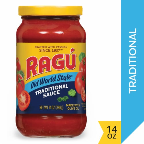 Ragu Old World Style Traditional Pasta Sauce Perspective: front