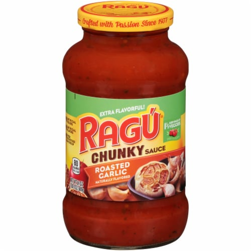 Ragu Chunky Roasted Garlic Sauce Perspective: front