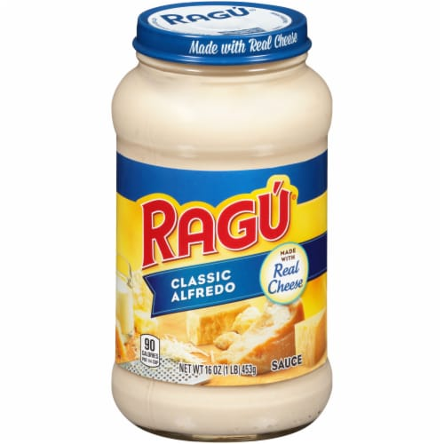 Ragu Classic Alfredo Sauce Perspective: front