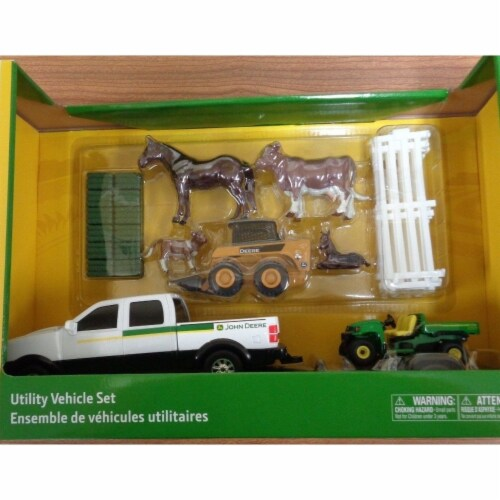 Tomy International 238331 John Deere Utility Vehicle Set Perspective: front