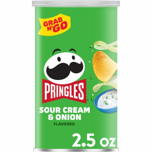Pringles Potato Crisps Chips Sour Cream & Onion Grab & Go Perspective: front