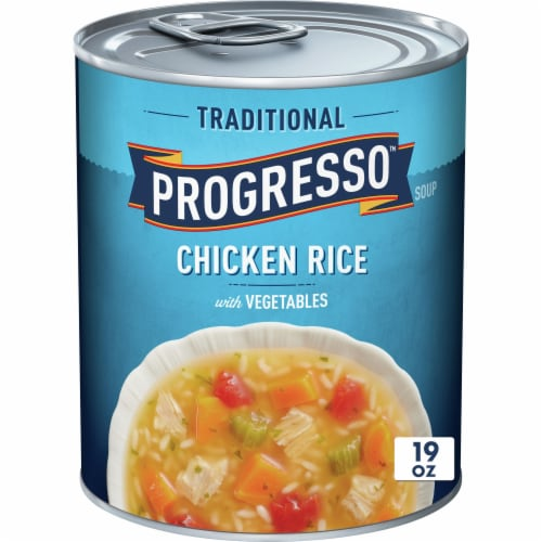 Progresso Traditional Chicken Rice with Vegetables Soup Perspective: front